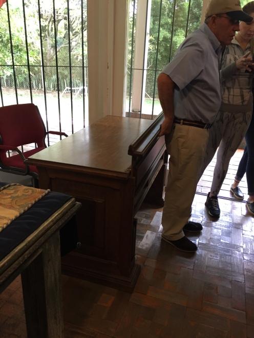 La scrivania a doppio fondo
